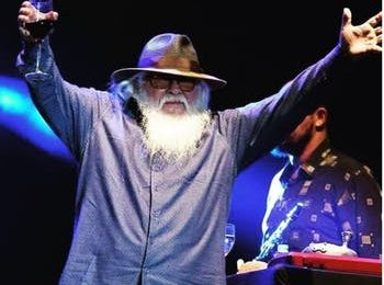 Hermeto Pascoal vence categoria de jazz do 19º Grammy Latino